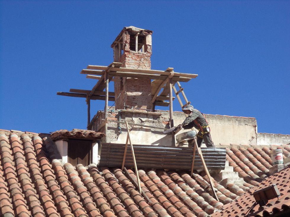Inician obras de restauración de chimenea de la Casa Nacional de Moneda