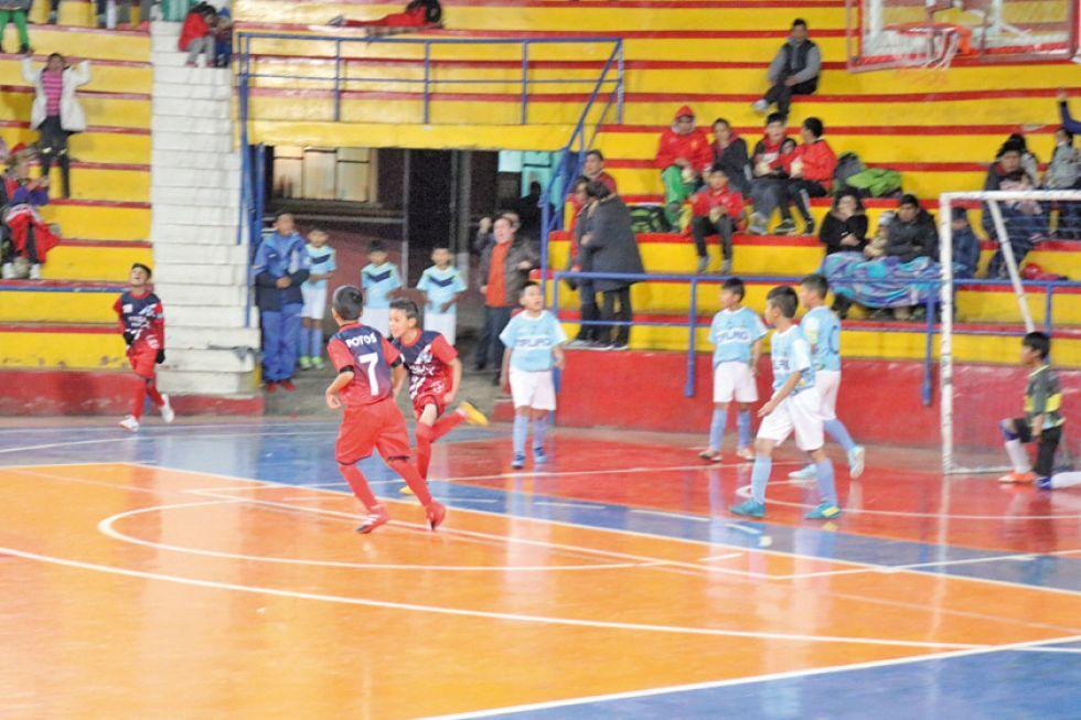 Potosí derrotó a Oruro y avanzó a las semis de futsal