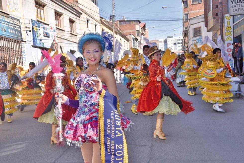 Mercado Uyuni celebró 43 años de vida con entrada