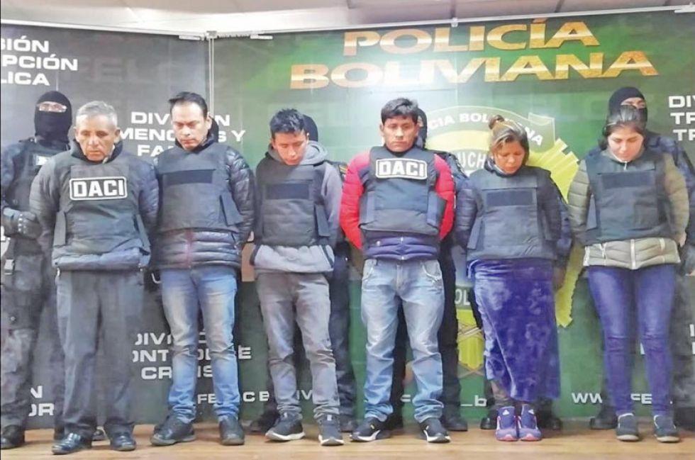 Desbaratan banda que llevaba armas y droga a Argentina por Villazón