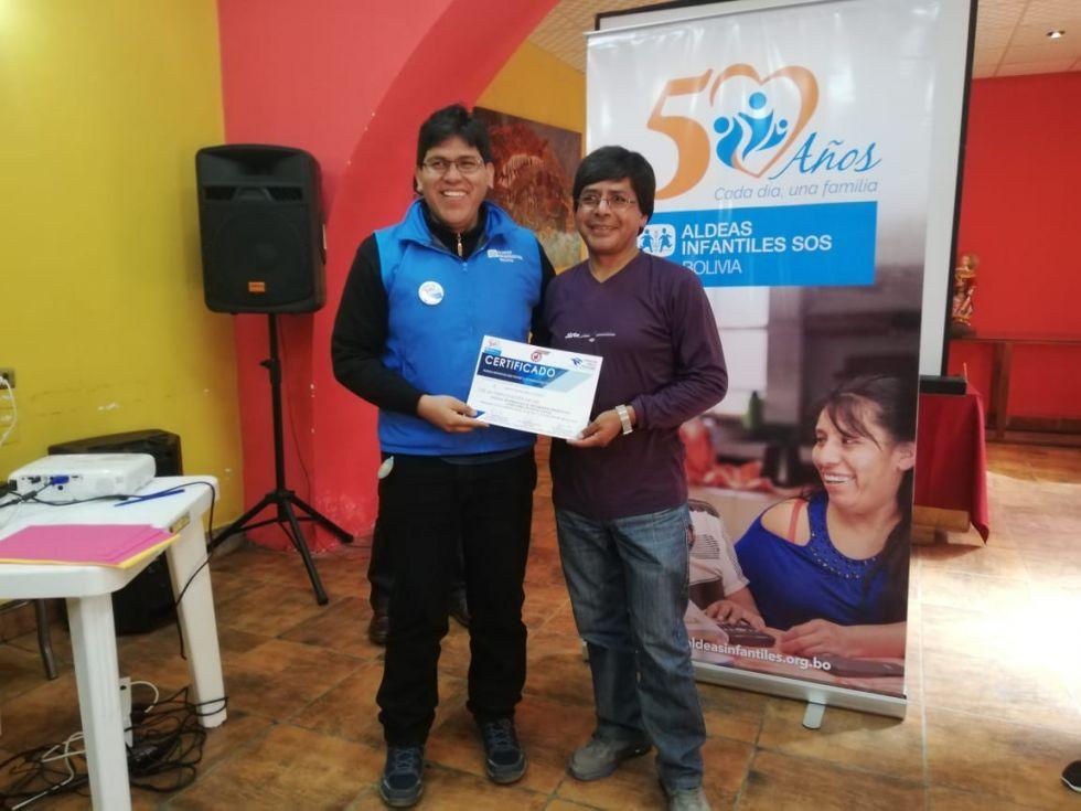Los participantes recibieron certificados tras las tres jornadas de charlas.