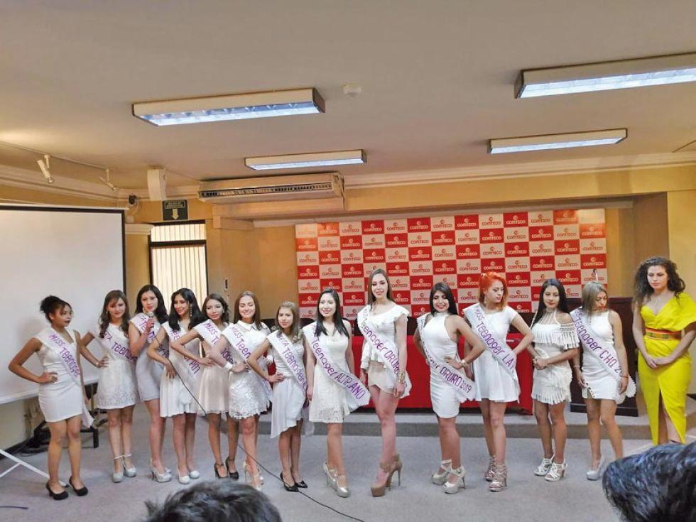 Las participantes en el certamen.