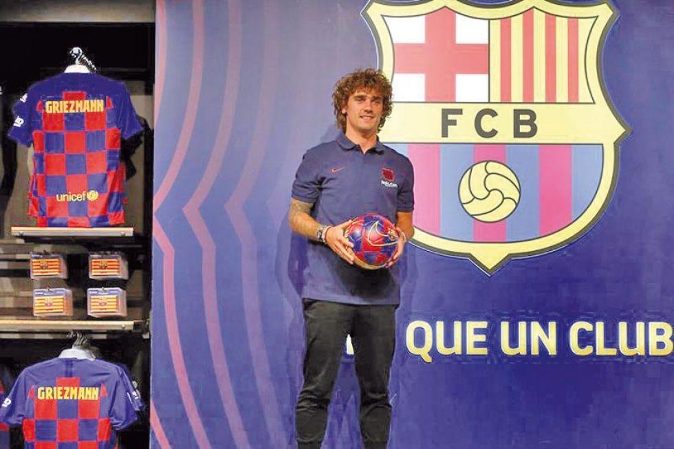 Barcelona presentará hoy al delantero Antoine Griezmann