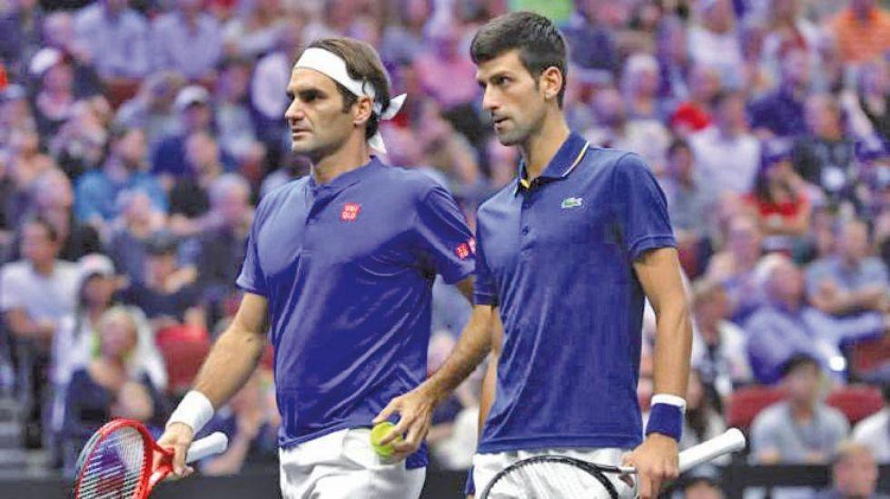 Federer y Djokovic luchan por el título del campeonato