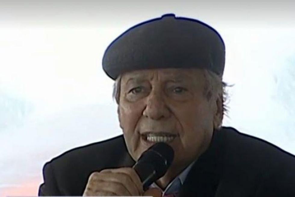Percy Fernández se burla de canción en homenaje a La Paz, en su día