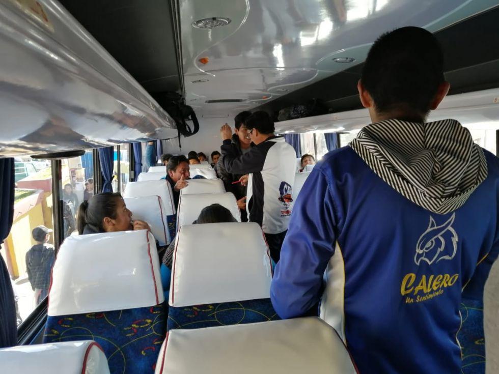 Los buses parten de la plaza Simón Bolívar.