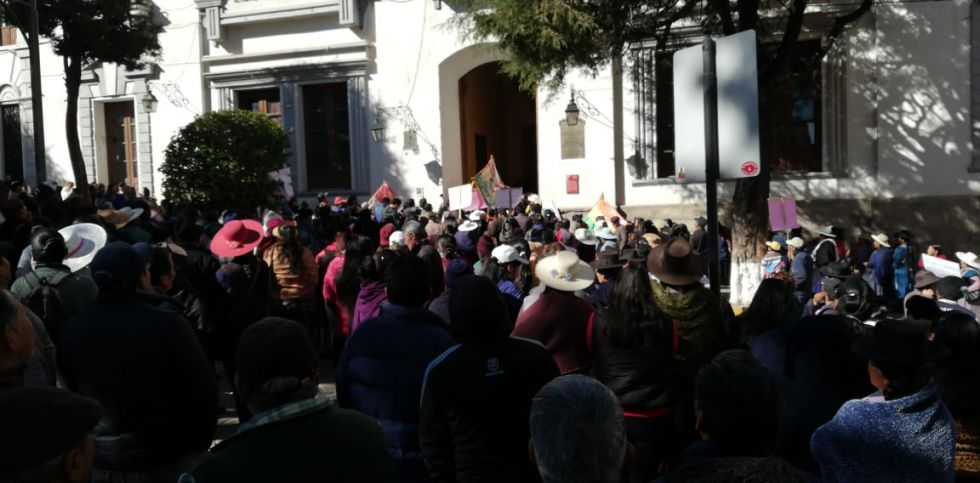 Gremiales salen en protesta contra la creación de nuevas ferias