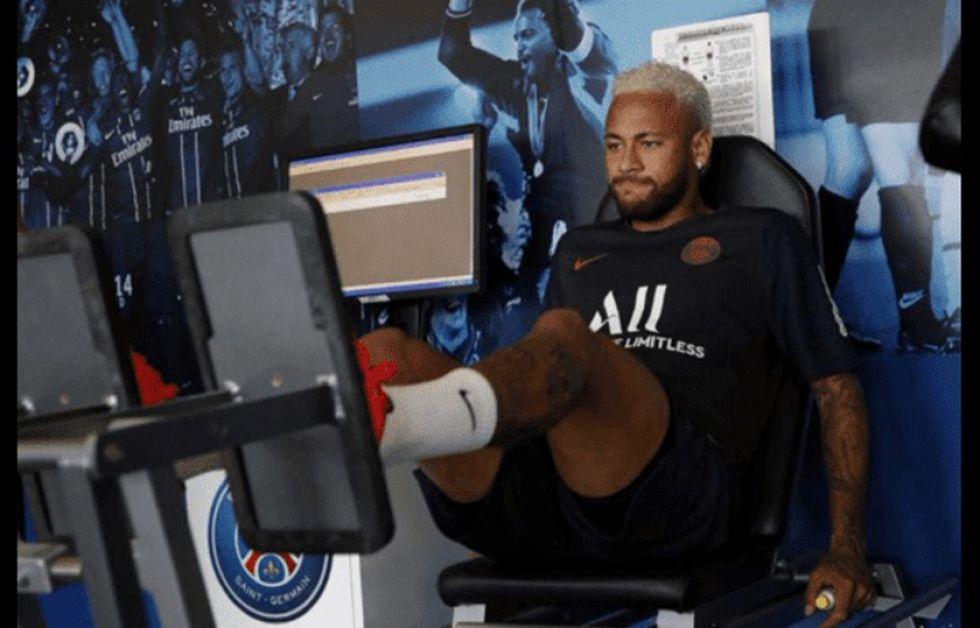 Neymar se suma al trabajo del PSG