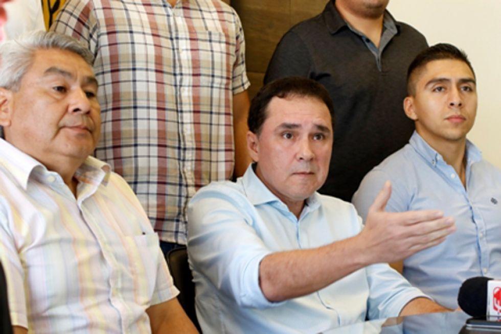 Destroyers le quita su apoyo a César Salinas