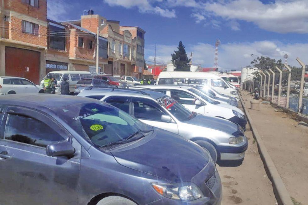 Más de un centenar de vehículos circulaban sin placas en Potosí