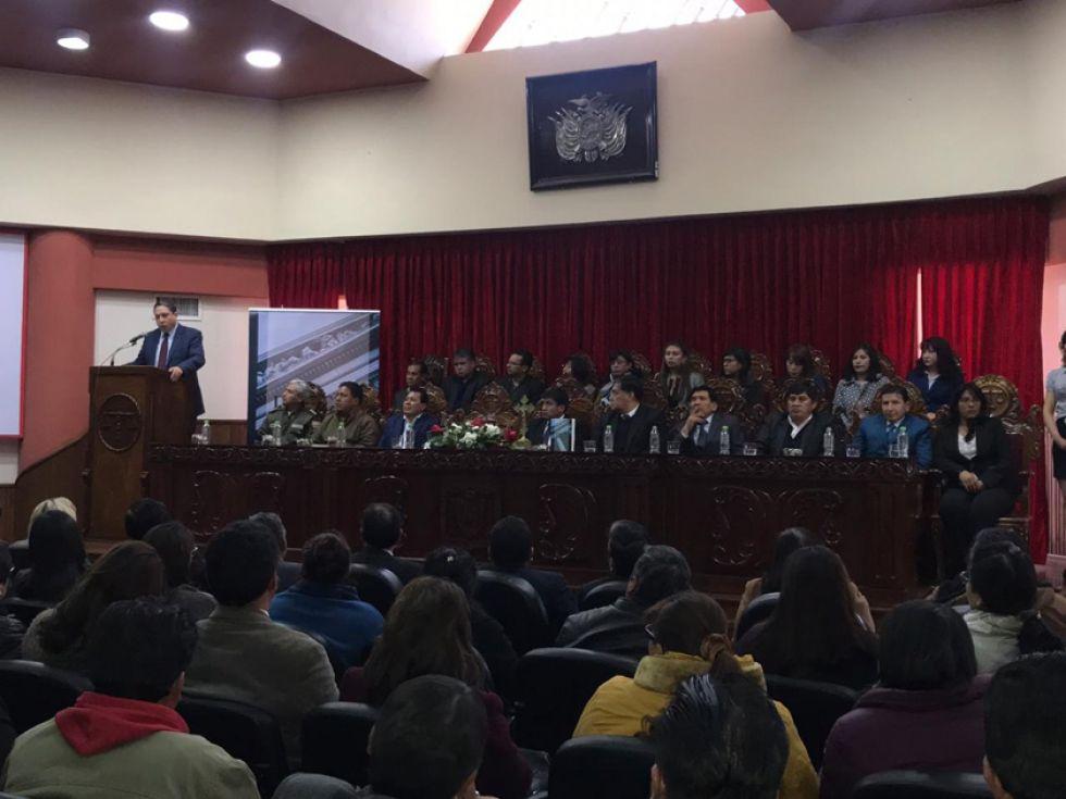 Ministro Arce admite que hay detenciones inadmisibles
