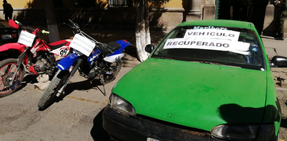 Recuperan vehículos robados que eran ofrecidos por redes sociales