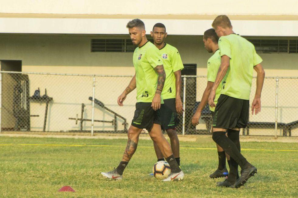 Zulia y Sporting se baten en duelo de sobrevivientes