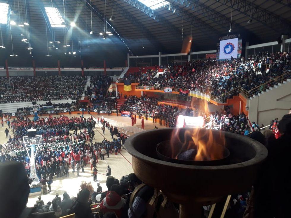 La inauguración fue en el Coliseo Ciudad de Potosí.