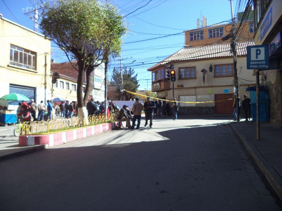 Hay hay bloqueo en la calle Cochabamba.