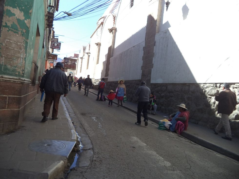 La calle Bolívar sin tráfico vehicular.