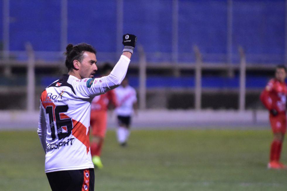 Enzo Maidana festeja el gol del triunfo.