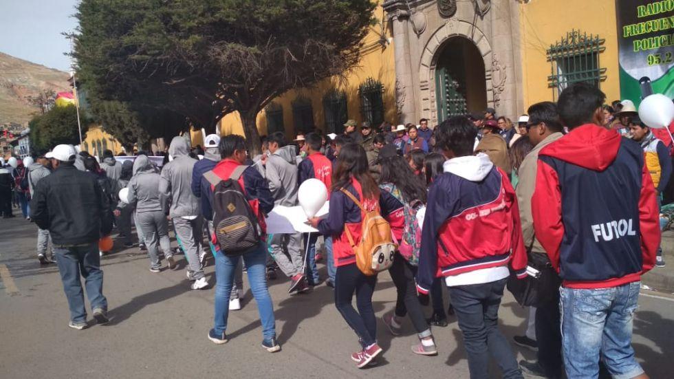 Varias marchas convergen en el centro.
