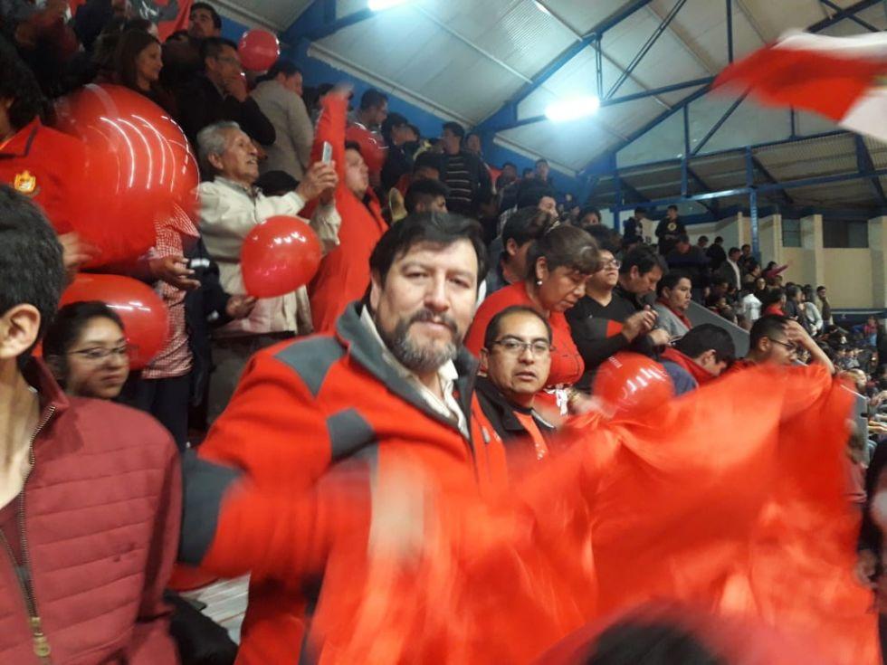La hinchada roja en Cochabamba.AEX CNP