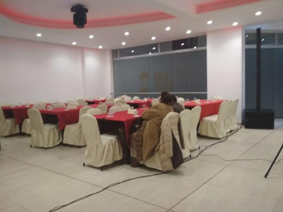 Asi está el salón Gold Silver, escenario de la elección.