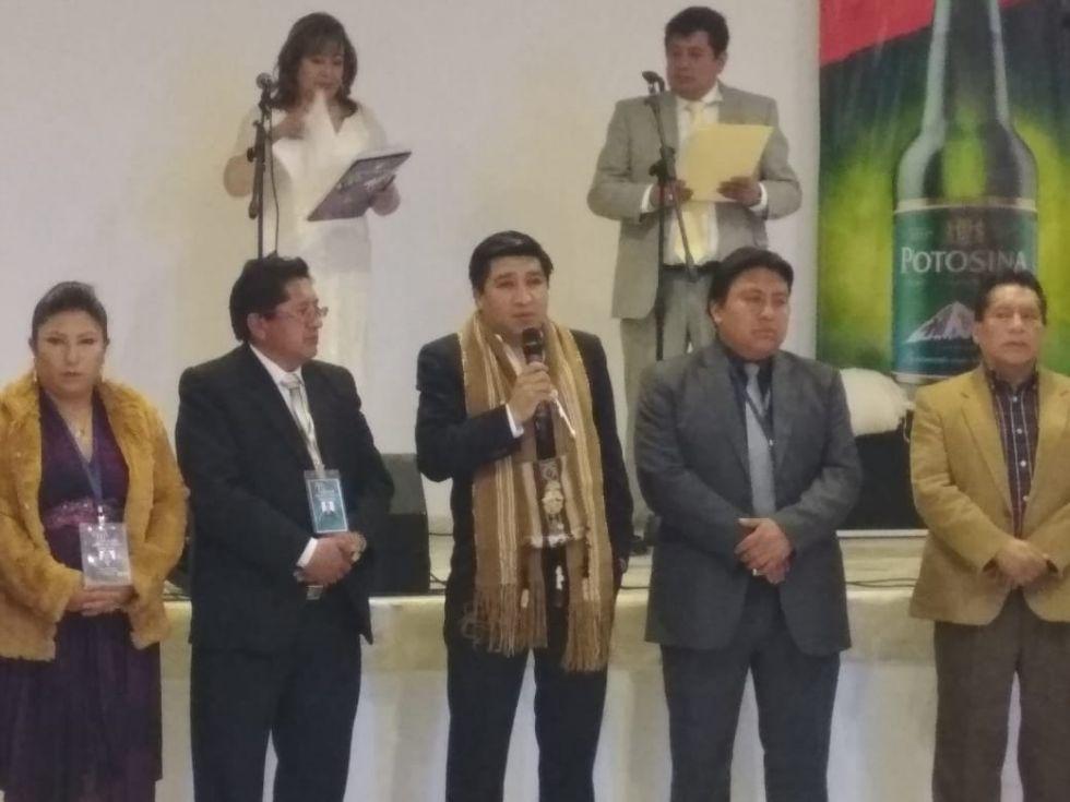El presidente de la Affap, Santiago Cruz, inicia la gala.
