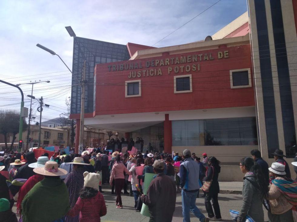 La marcha llega a los tribunales