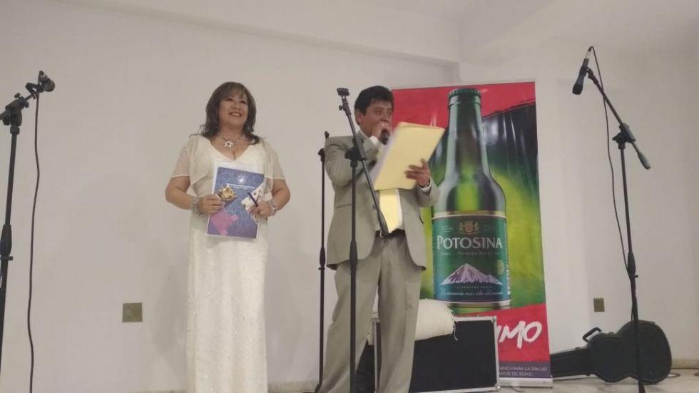 Maestros de ceremonias, Rocío Calderón y Álvaro Miranda.