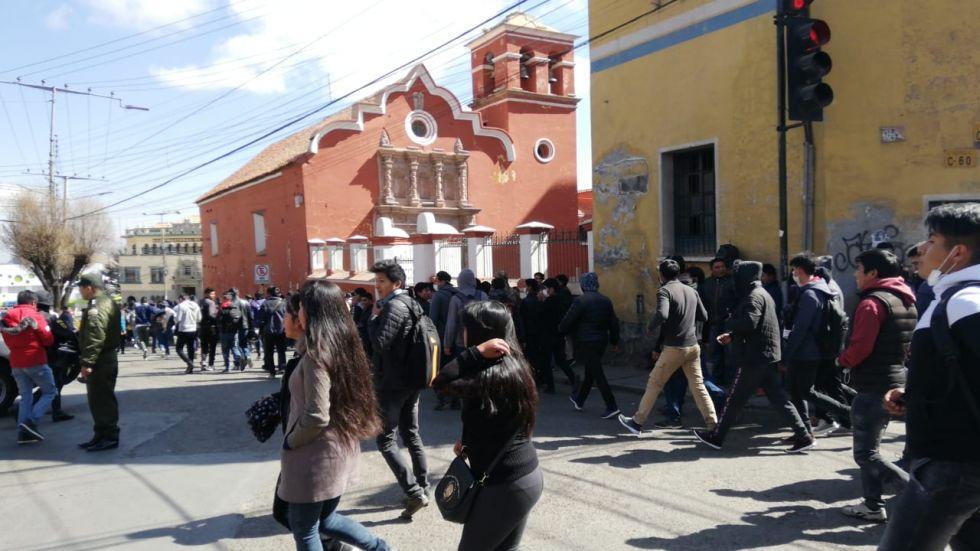 Había presencia policial y de universitarios.