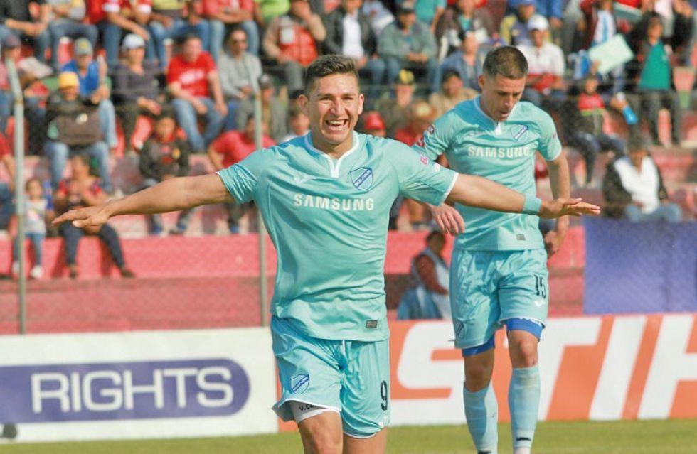 Vladimir Castellón celebra el primer gol.