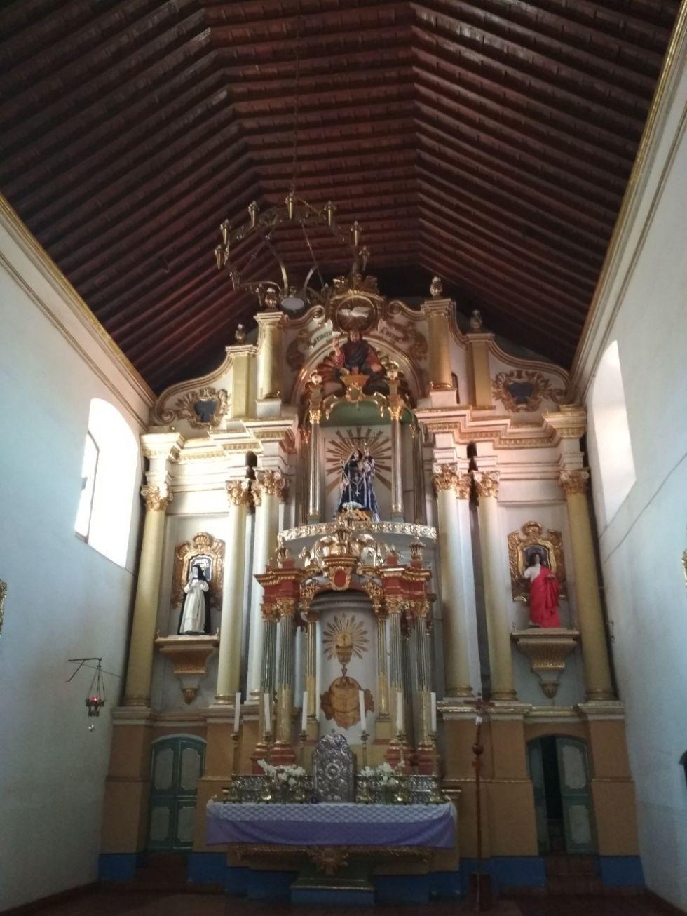 Altar del templo de Santo Domingo.
