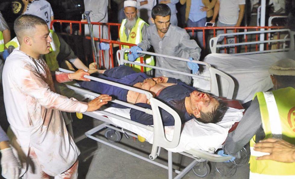 Ataque suicida en una boda en Afganistán deja decenas de muertos