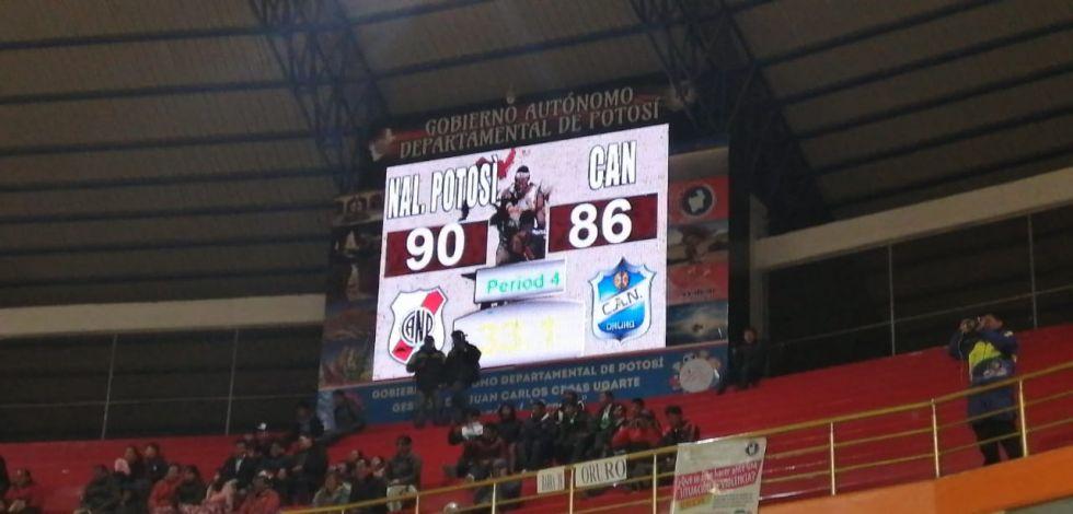 A 33 segundos del final del partido.