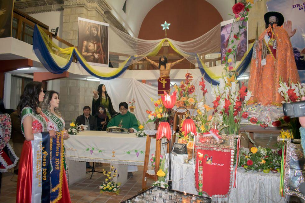 La promesa de fe ante San Bartolomé.
