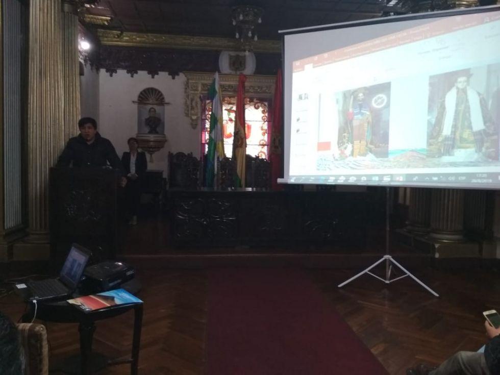 Santiago Cruz anuncia que se lanzará un concurso para investigar la historia de las danzas.