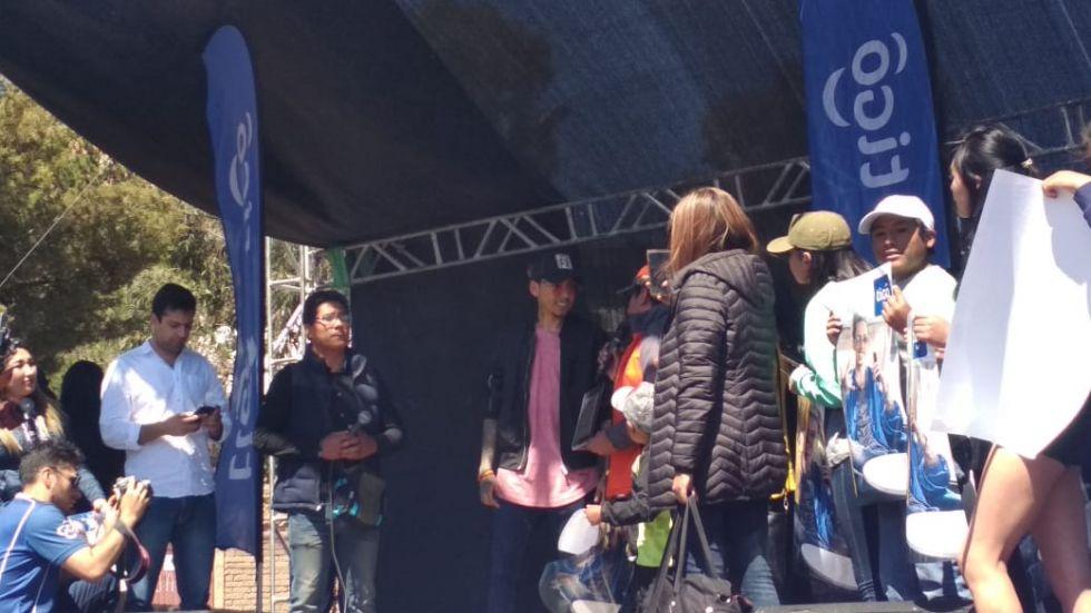 Bonny Lovi en el escenario.