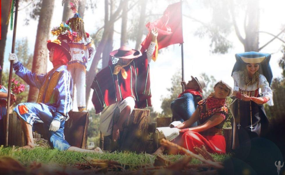 """Proyección cultural """"Sumak Jatari"""", de Ecuador."""