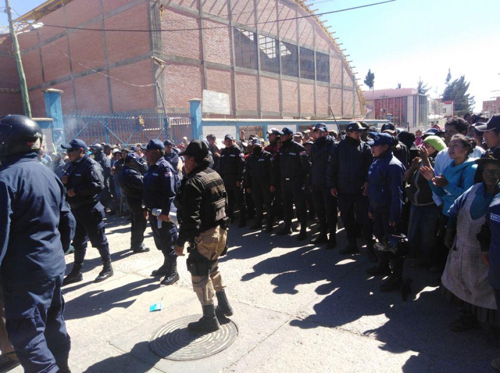 La Policía Urbana y la seguridad privada de los feriafranquistas evitaron la pelea.