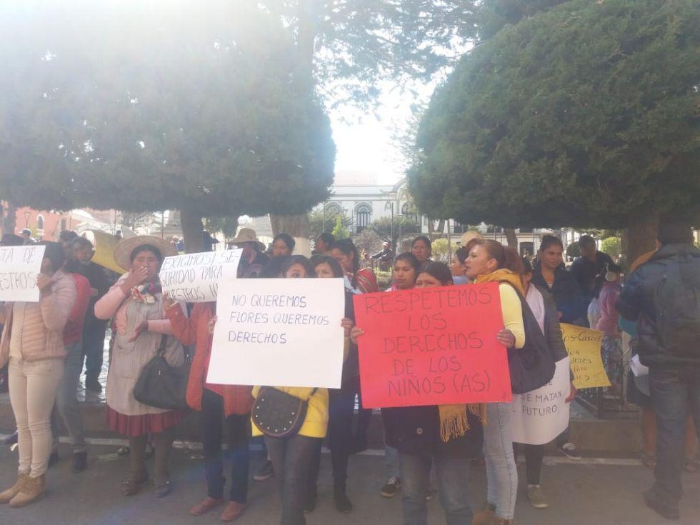 Llegaron hasta el centro citadino con su protesta.