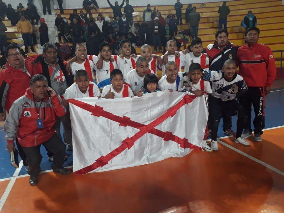 Los integrantes del equipo chuquisaqueño celebran.