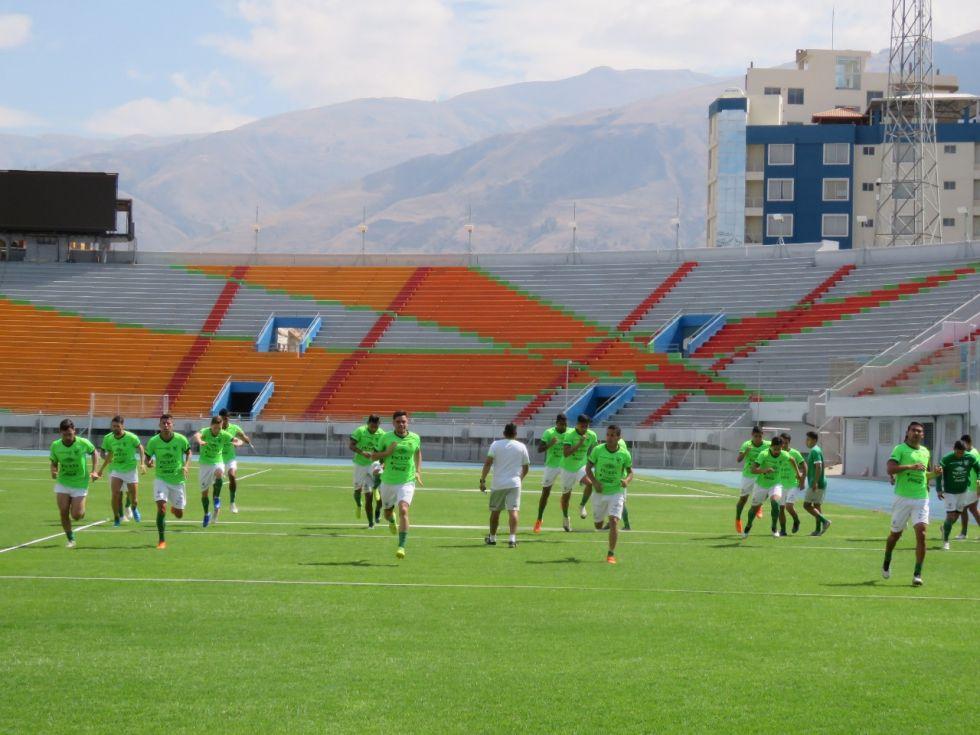 Entrenan en Cochabamba.
