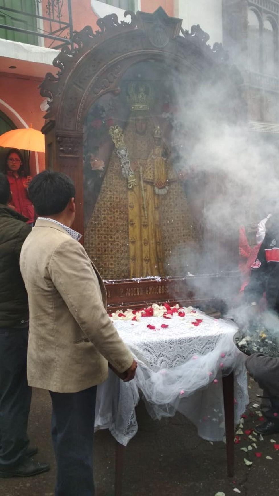 Primer altar de la familia Castillo