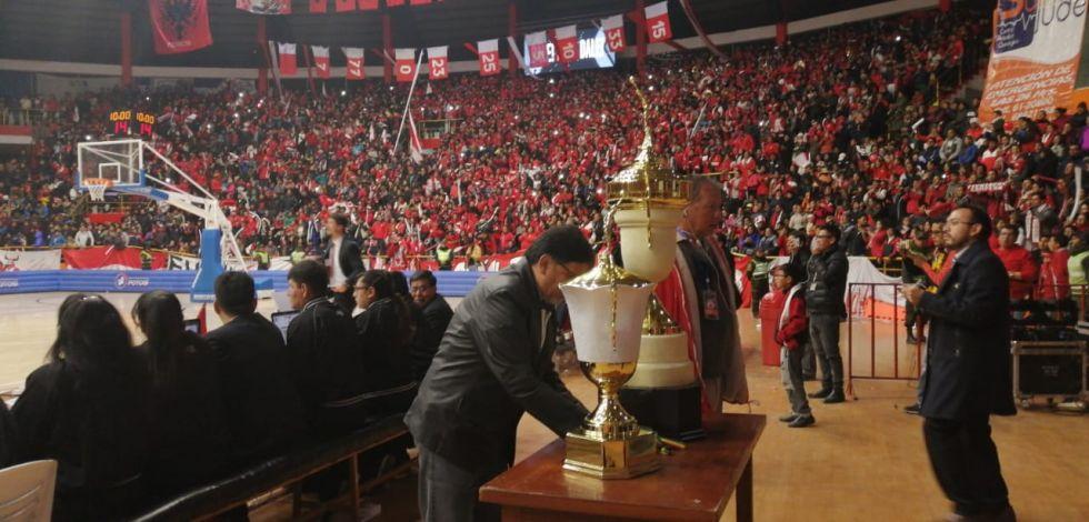 Los trofeos.