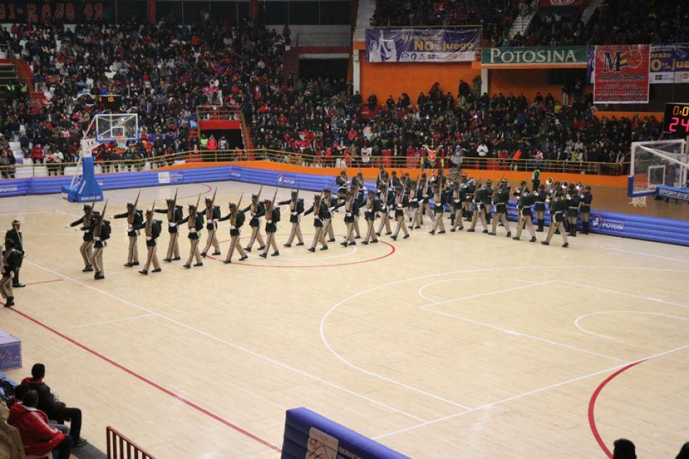 Los soldados del Regimentó III Pérez durante su demostración.