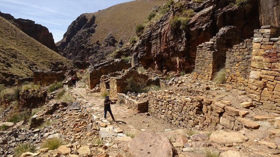 Una ciudad  de piedra se halla cerca de Potosí