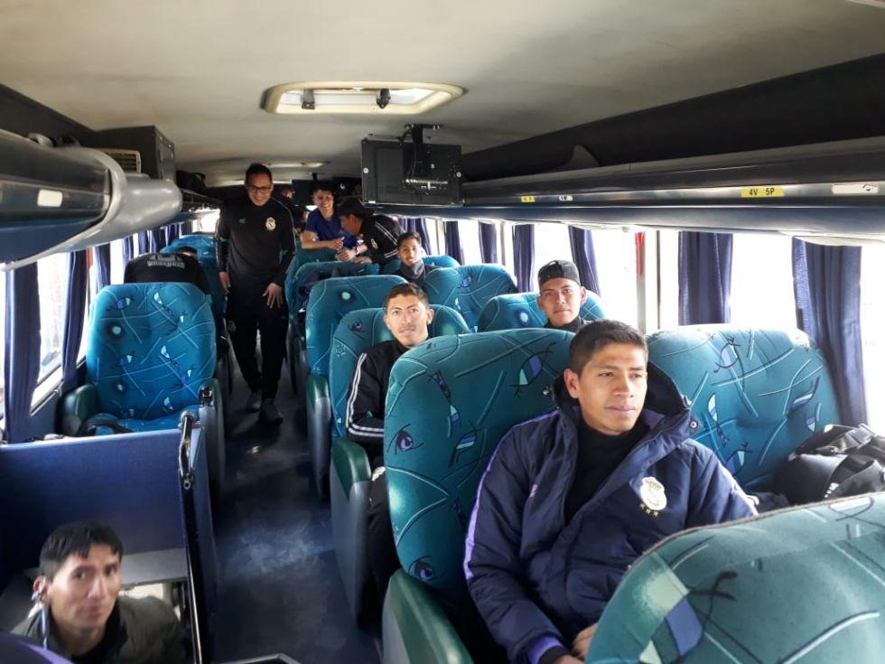 Parten a La Paz.