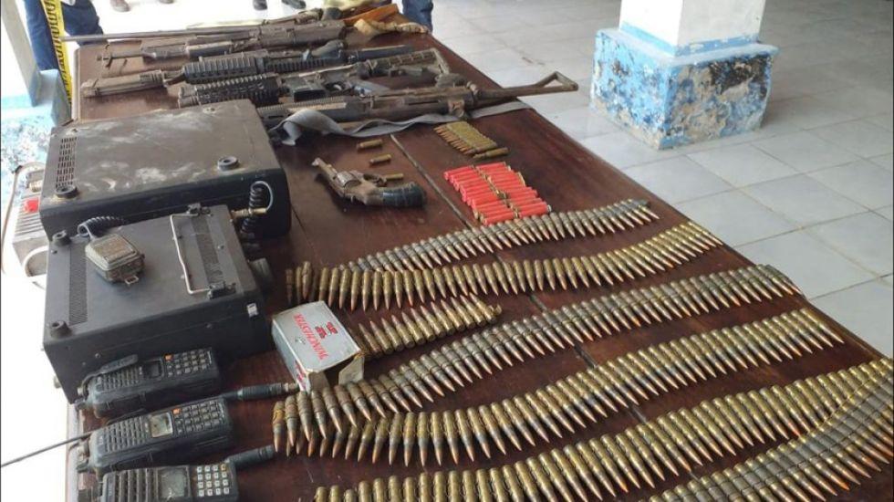 Los artefactos fueron mostrados en conferencia de prensa en instalaciones de la V Brigada Aérea de Trinidad.