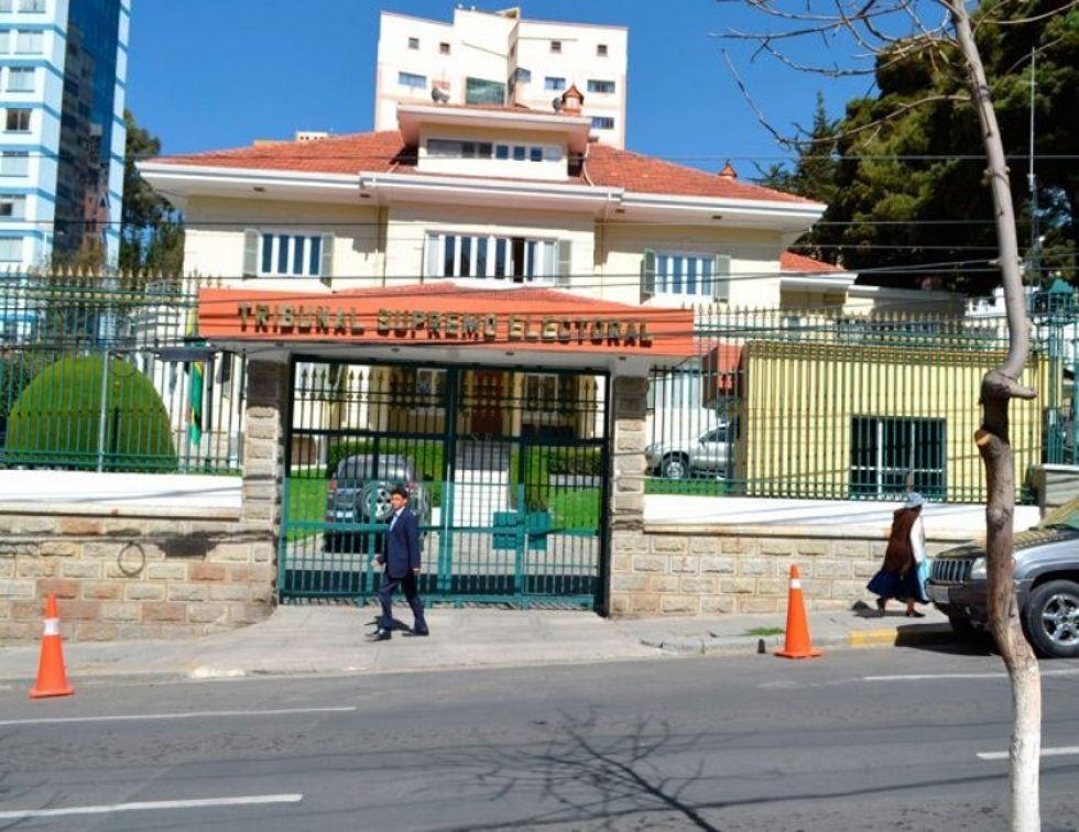 Frontis del Tribunal Electoral en el barrio de Sopocachi en La Paz.