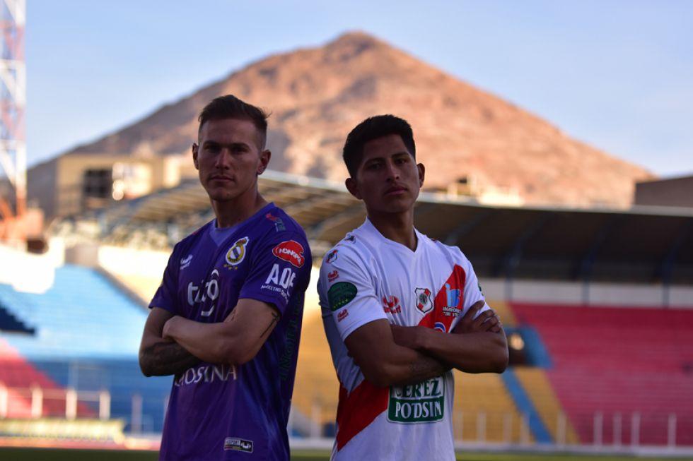 El argentino Maximiliano Gomez y el potosino Luis Pavia tendrán un duelo en el mediocampo.