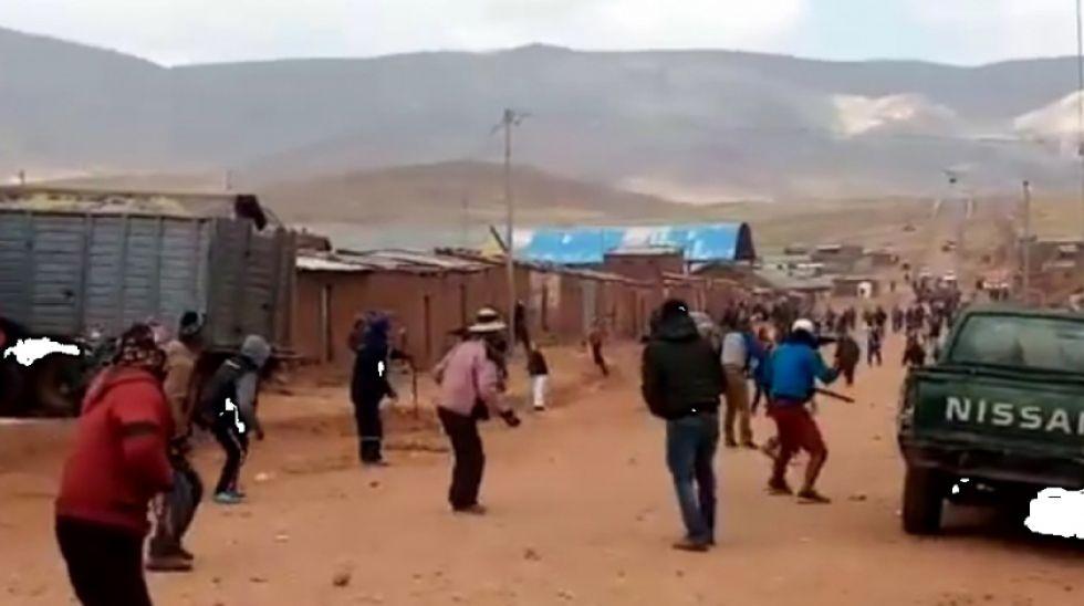 Comunarios de Ayoma se enfrentan con sus similares de Tomaycuri.