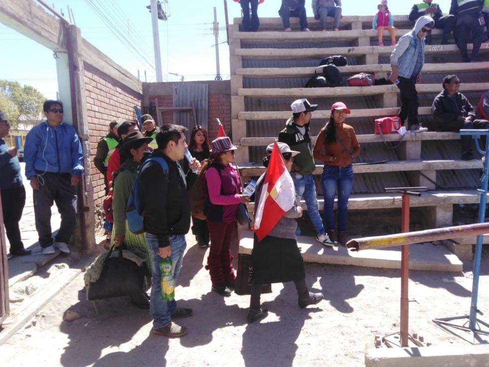 La llegada de los primeros delegados.